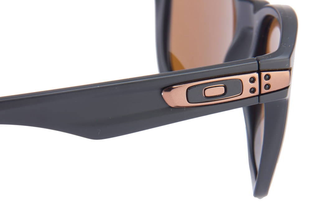 Oakley Garage Rock Dimensions